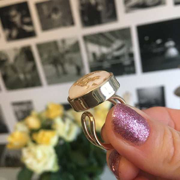 The World Ring Gold/White