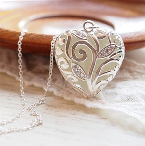 Luminous Heart Pendant Magic Round Glow Necklace - Metfine