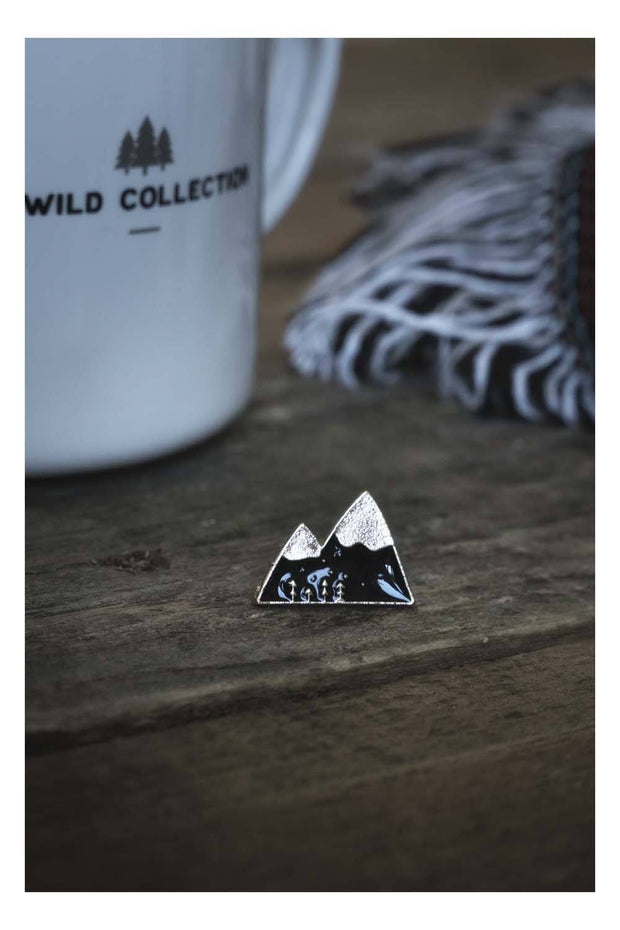 pins_metal_montagnes_noir_or
