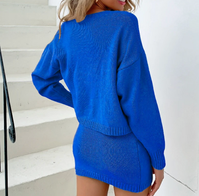 KNITTED THREE-PIECES SET