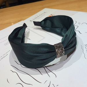 DIAMOND KNOTTED HEADBAND
