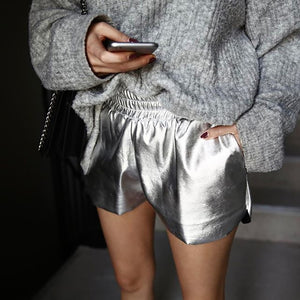 SILVER METALLIC DRAWSTRING WAIST SHORT