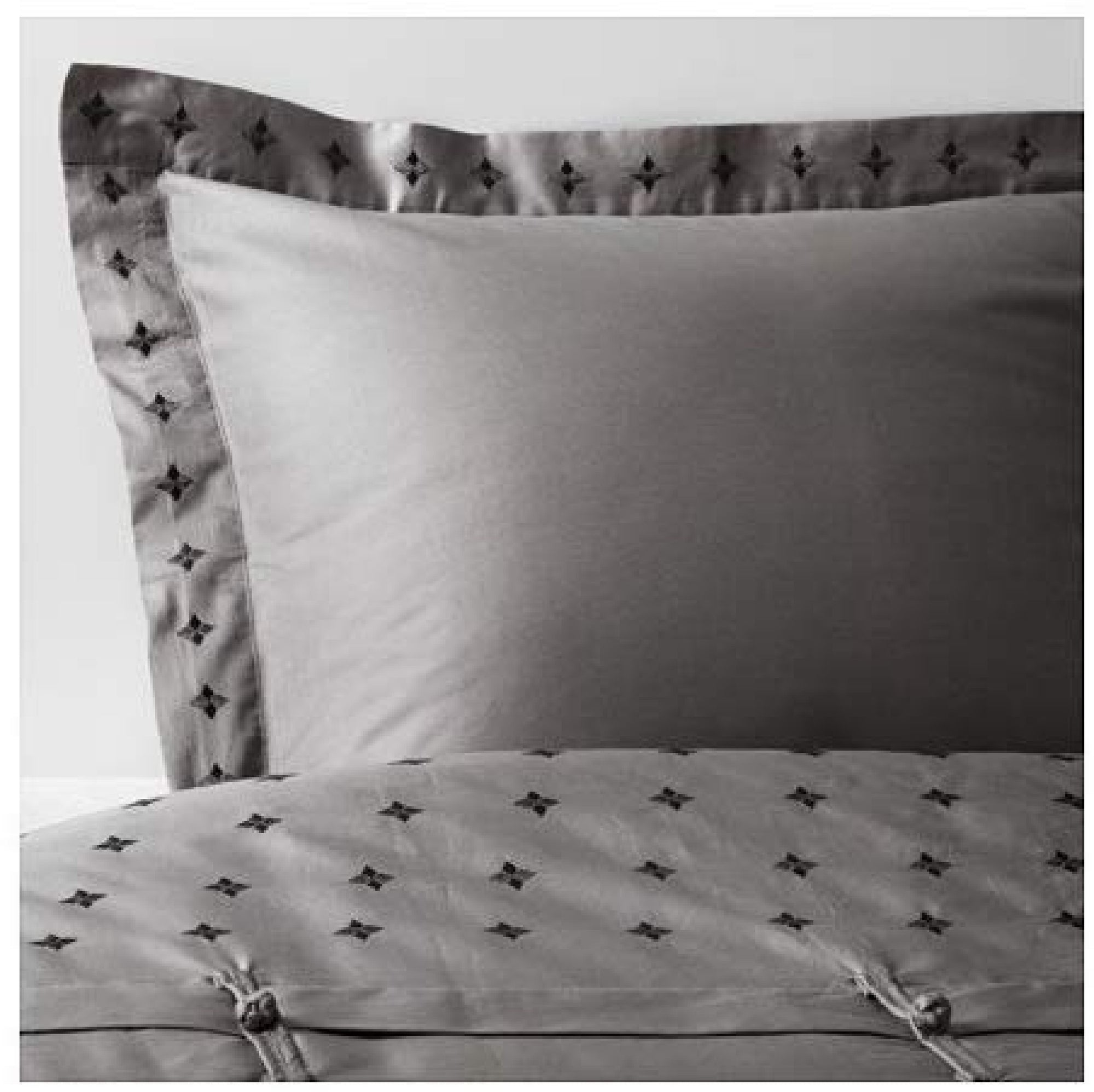 VINRANKA by IKEA Duvet Cover (Gray)
