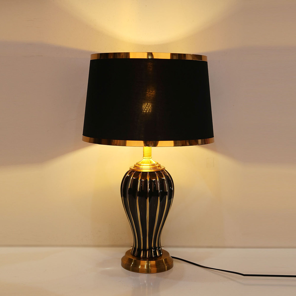 Black Vase Ceramic Table Lamp