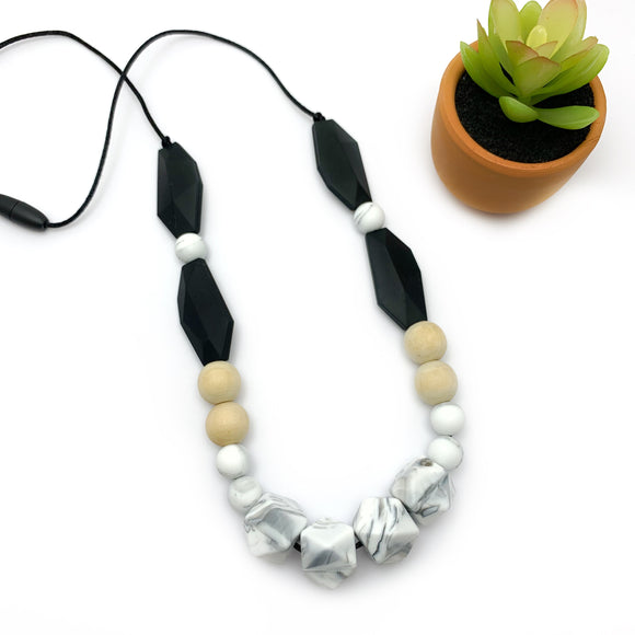 The Mallorca - Silicone and Wood Teething Necklace for Mom
