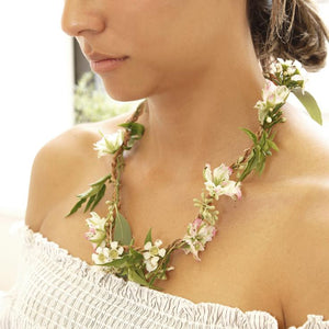 Huckleberry Fresh Flower Necklace