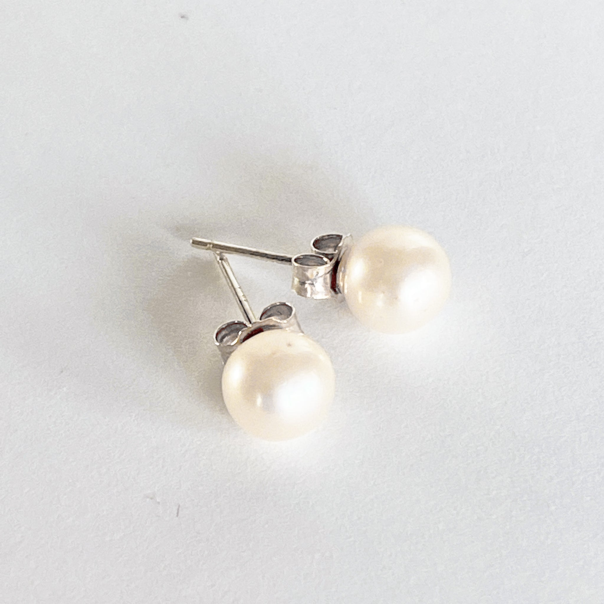 Sterling silver genuine pearl earrings