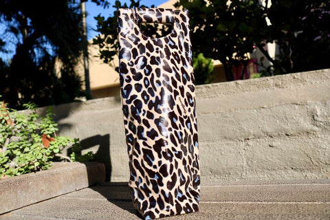 Consuela  - Leopard Wine Carrier