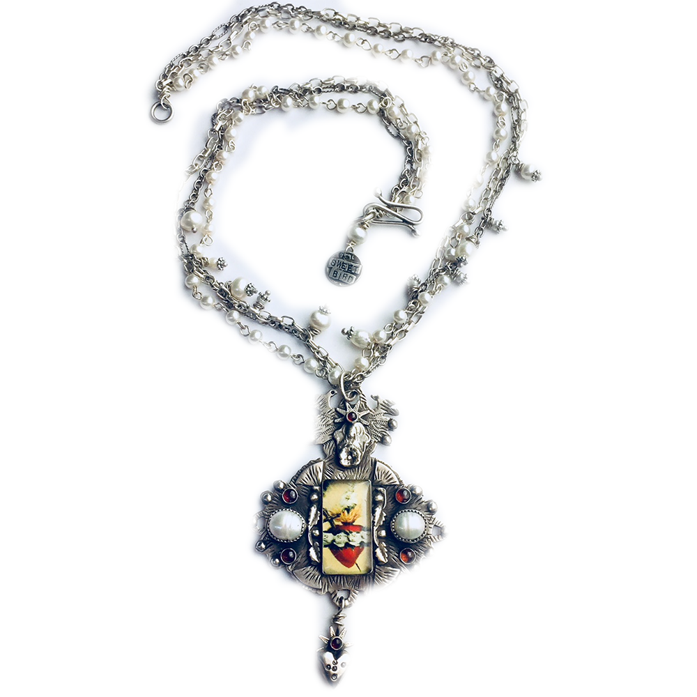 Sacred Heart With Pearls Necklace