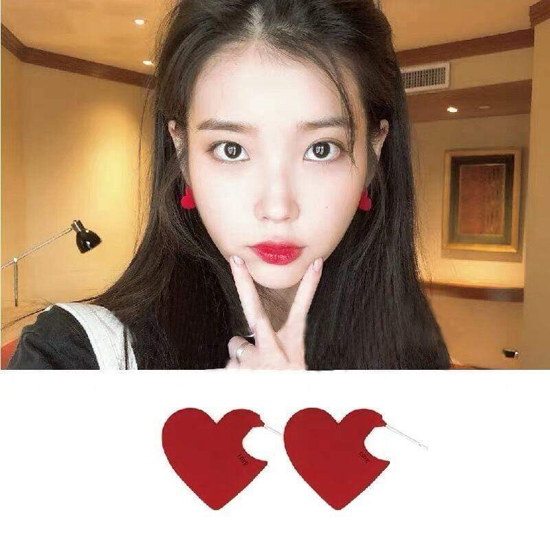 Celeb Style Accessories: Jewelry Dress Like IU: Red Heart Earrings