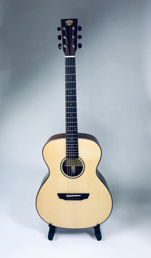 Sound Smith SMOM Acoustic Guitar W/ HSC