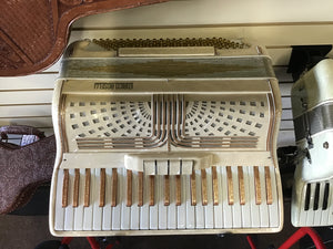 Enrico Roselli Gold Key Accordion W/Case - USED