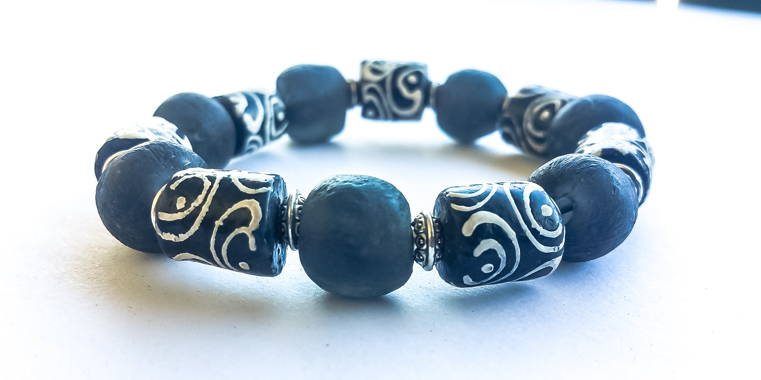 8mm Black And White & Silver African Trade Bead Bracelet