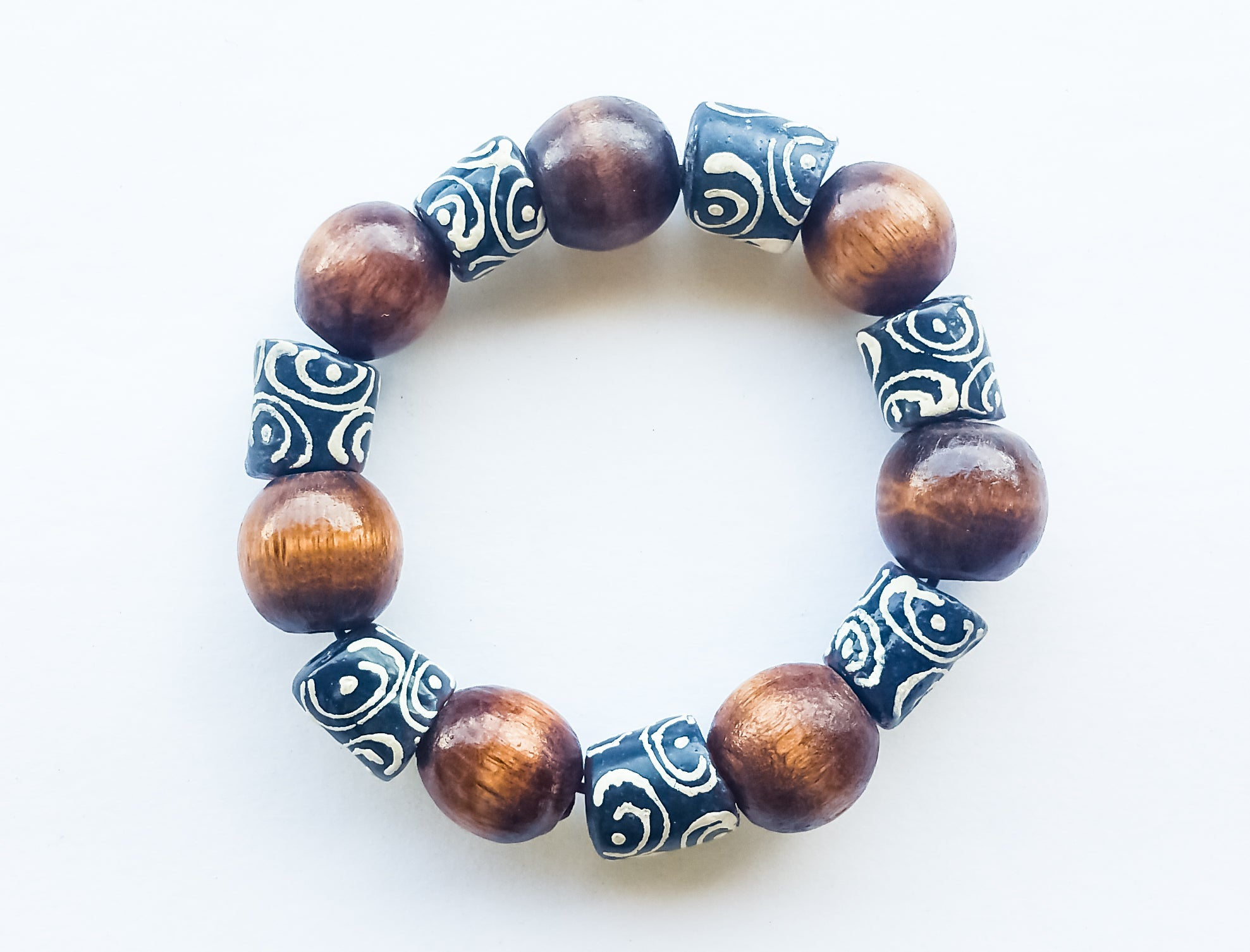 8mm Black And White & Wood African Trade Bead Bracelet