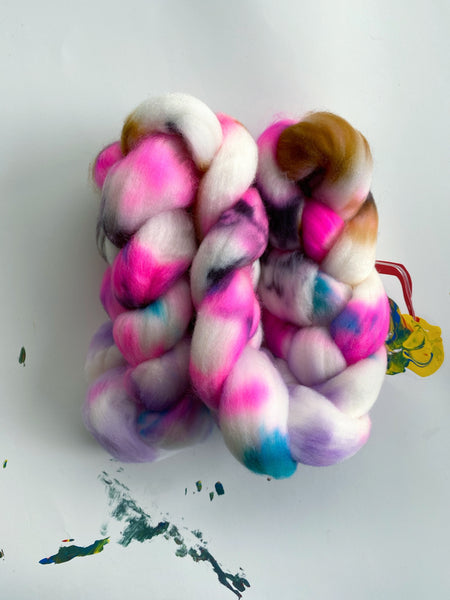 Weet Woo | Superwash Merino Roving Combed Top