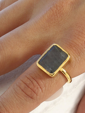Olivia Rectangular Gold Ring Labradorite