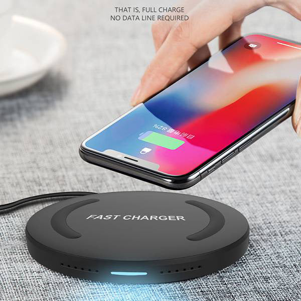 charge phone anytime anywhere by the wireless charger