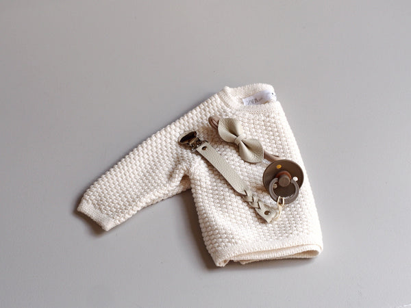 pacifier clip - cream