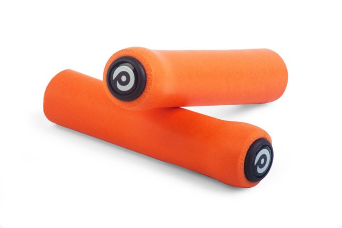 MOMUM Geragrip SHAGGY silicone 32mm Grips