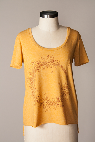 JESSAMINE WEEKEND TEE - GOLD