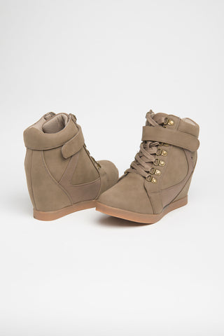 Wedge laced boots