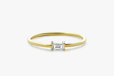 14K SINGLE BAGUETTE DIAMOND RING