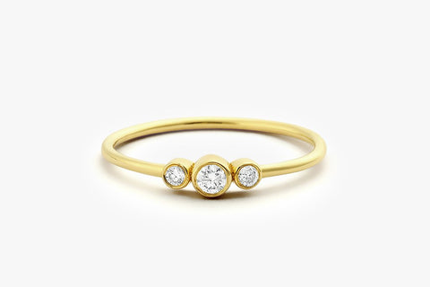 14K THREE STONE DIAMOND RING