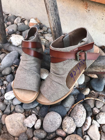 Balla Canvas Sandal in Whiskey Brown