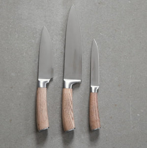 Kniv m/ skaft i asketræ (medium)