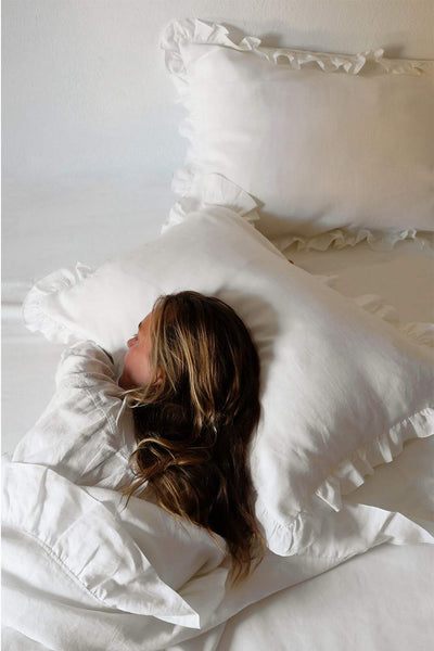 arkitaip Pillowslips The Ruffled Casita Linen Pillowslips Set in White