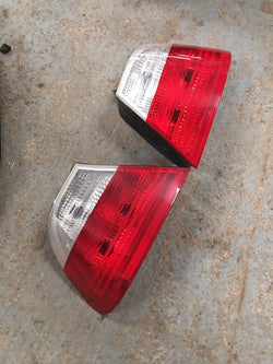 BMW 3 SERIES E46 325i REAR LIGHTS PAIR DRIVERS SIDE AND PASSENGER SIDE