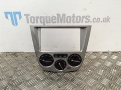2001 Subaru Impreza WRX Centre Console And Heater Controls