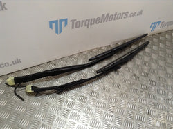 2009 Nissan GT-R Skyline R35 Pair Of Front Wiper Arms And Blades