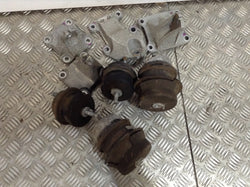 Nissan Gtr R35 engine Gearbox Mounts and brackets