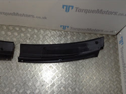 Ssangyong Rodius Front windscreen scuttle panel trim