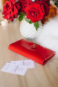 Women's Glossy Red Bifold Leather Wallet - 12 compartments [USA only] - Cantoneri