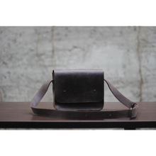 Small Cross Body Bag in Brown Genuine Leather - Cantoneri