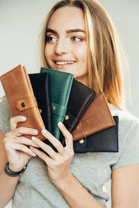 Women's Brown Bifold Leather Wallet - Cantoneri