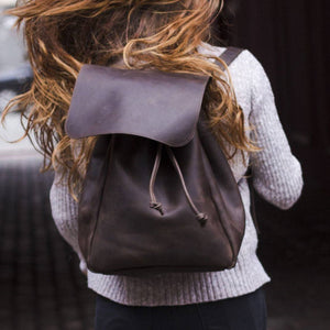 Women's Handmade Leather Backpack - Brown - Cantoneri