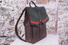 Brown Leather Backpack with a Carbine Closure - Cantoneri