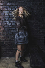Women's Black Leather Tote Handbag - Cantoneri