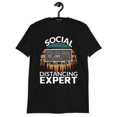 Vintage Gamer Retro Controller Game Social Distancing Expert Unisex T-Shirt