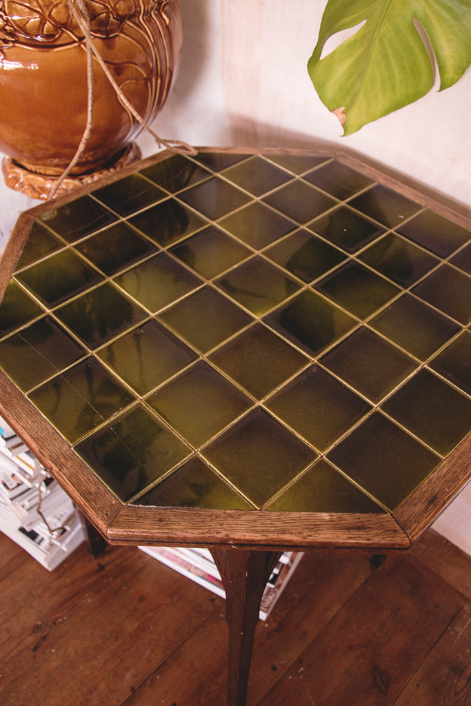 green tiled table . Antiques and decorative furniture Bristol, Dog Haushizzle