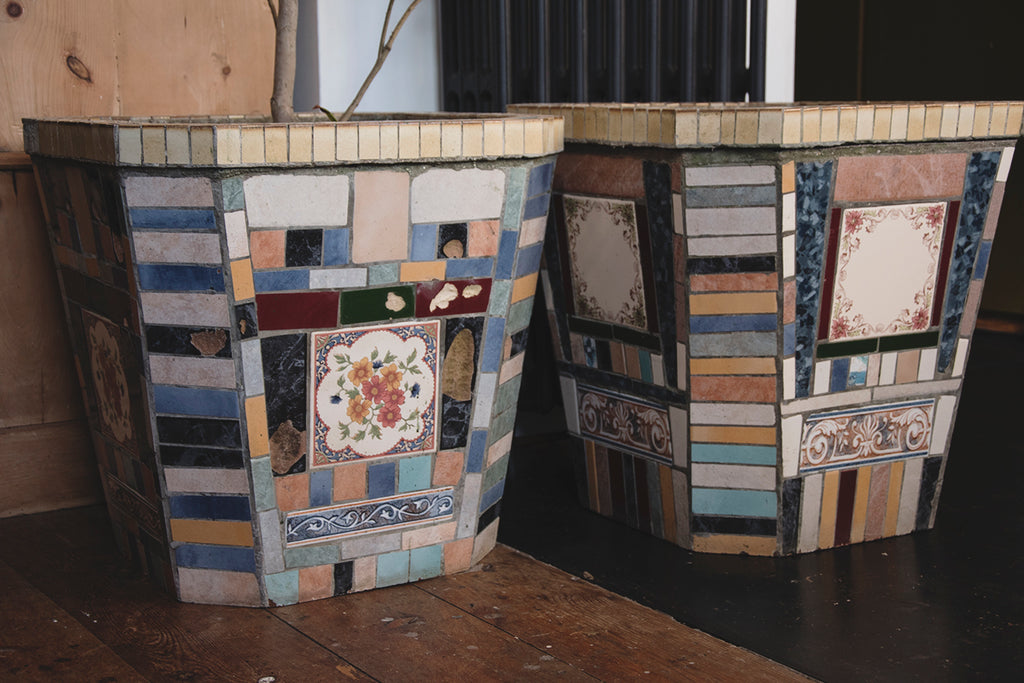 Large antique garden planters. Mosaic Vintage. Dig Haushizzle Antique Shop In Bristol.