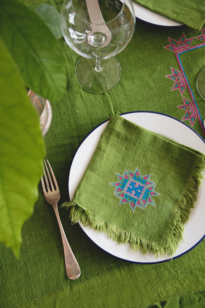Vintage Embroidered Tablecloth and napkin set