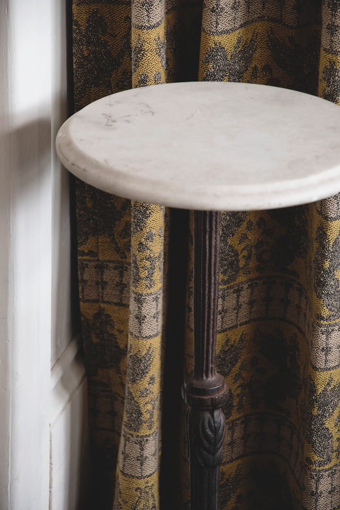 Decorative marble topped table, Small side table. garden table. Decorative antique table Bristol Dig Haushizzle