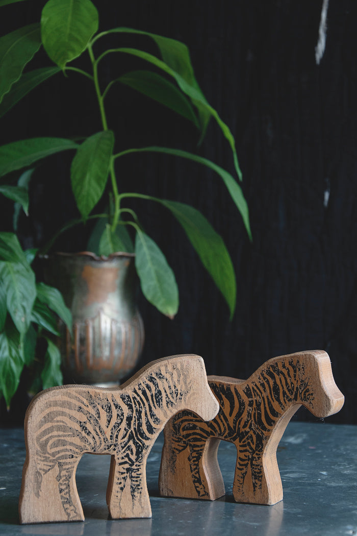 VINTAGE WOODEN ANIMALS