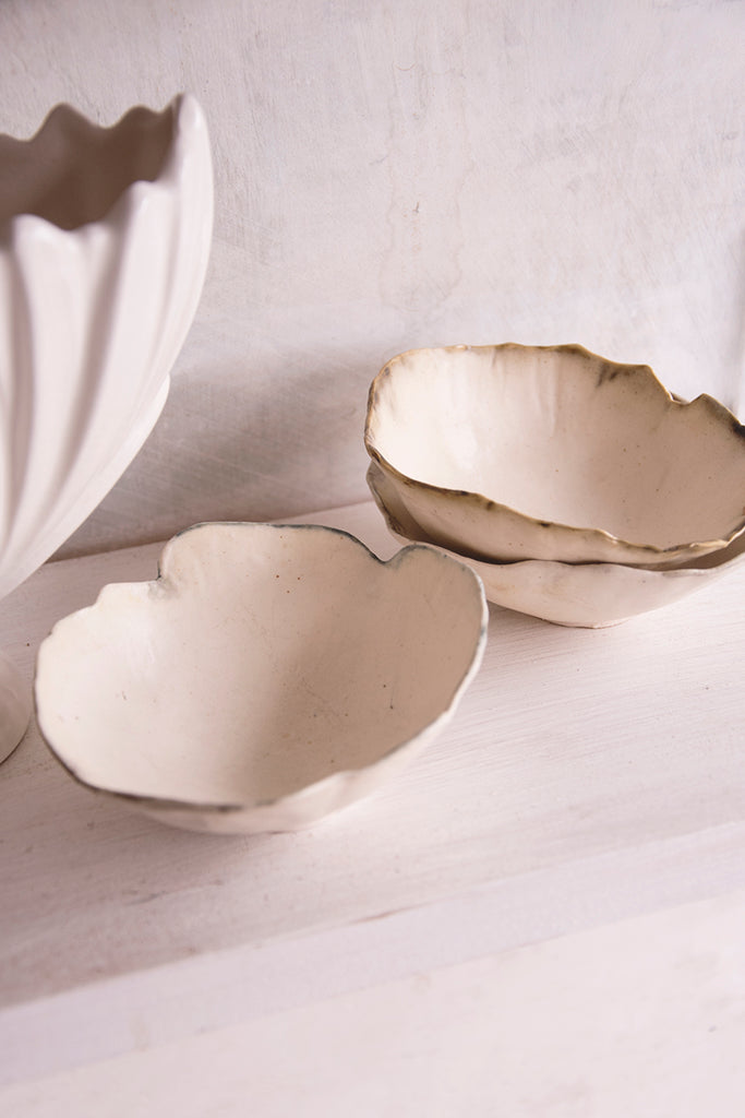 Set of three pinch pots