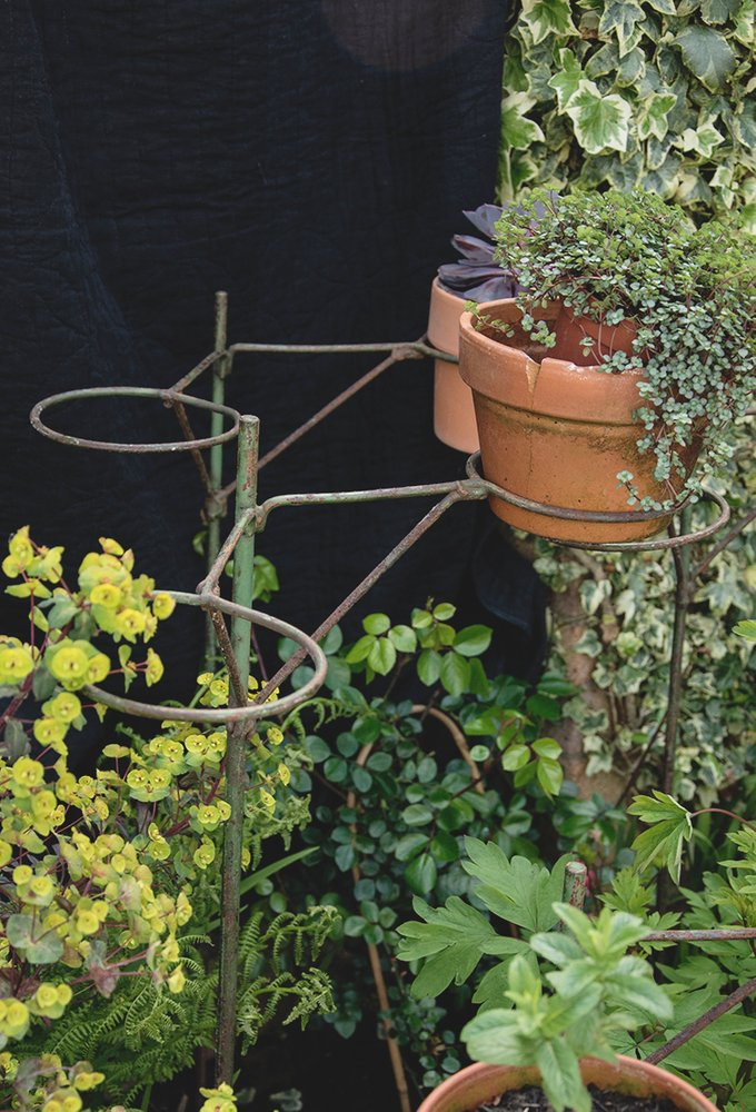 WIRE WORK PLANT POT STANDS