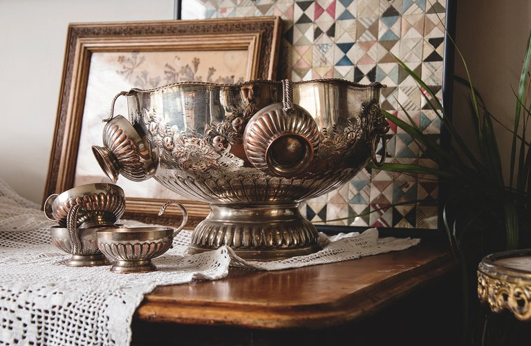 Silver Plated Punch bowl with original cups. Victorian decor. patina Bristol